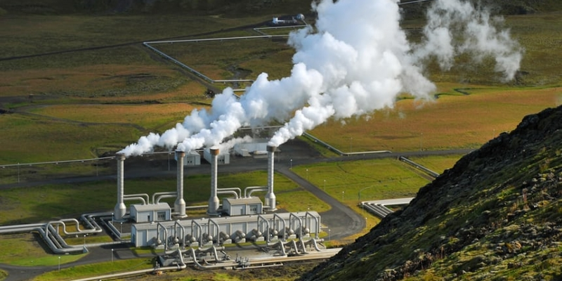 image showing geothermal plant in Iceland producing power from geothermal energy