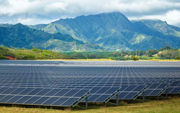 image of solar farm in Poipu, Hawaii